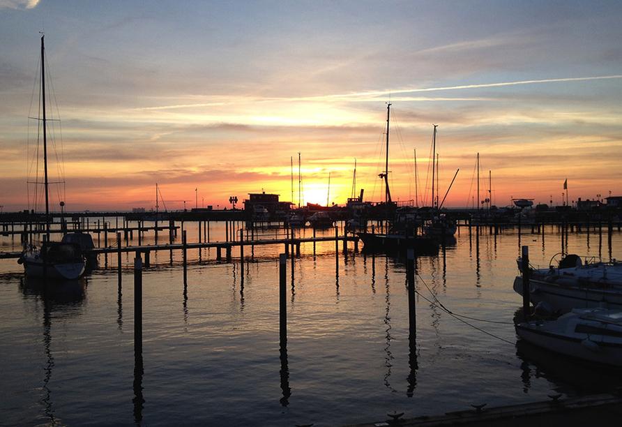 Ostsee Resort Damp, Hafen und Sonnenuntergang
