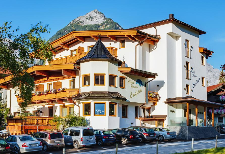 Hotel Enzian in Pertisau am Achensee, Außenansicht