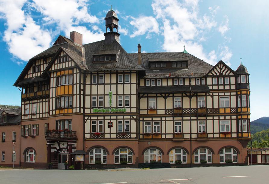 Hotel Weißer Hirsch, Außenansicht
