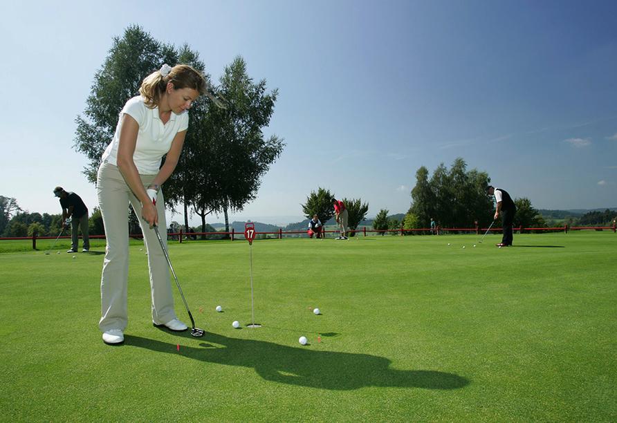 Quellness- und Golfhotel Fürstenhof in Bad Griesbach im Bayerischen Bäderdreieck, Golfen