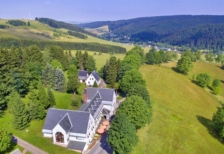 Flair- & Berghotel Talblick, Vogelperspektive der Außenansicht vom Hotel