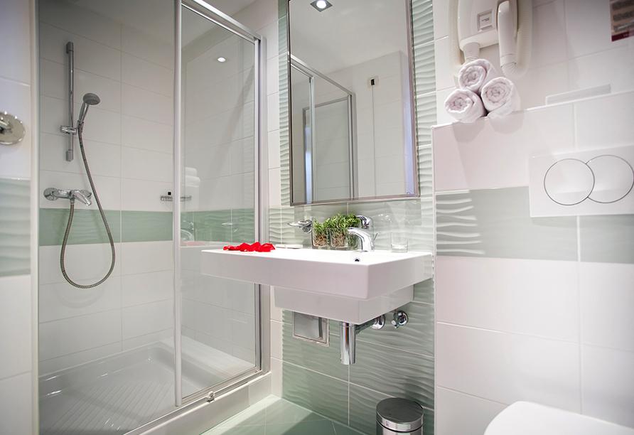 Hotel Aminess Maestral, Badezimmerbeispiel