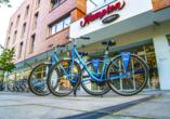 Hotel Hampton by Hilton Swinoujscie in Swinemünde auf Usedom, Fahrradparkplatz