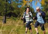 Waldhotel Altenbrak in Thale, Paar beim Nordic Walking