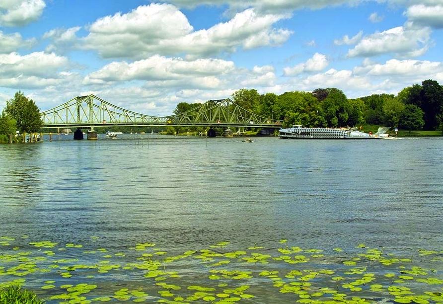 Sternenroute rund um Berlin, Potsdam und Havelland, Glienicker Brücke