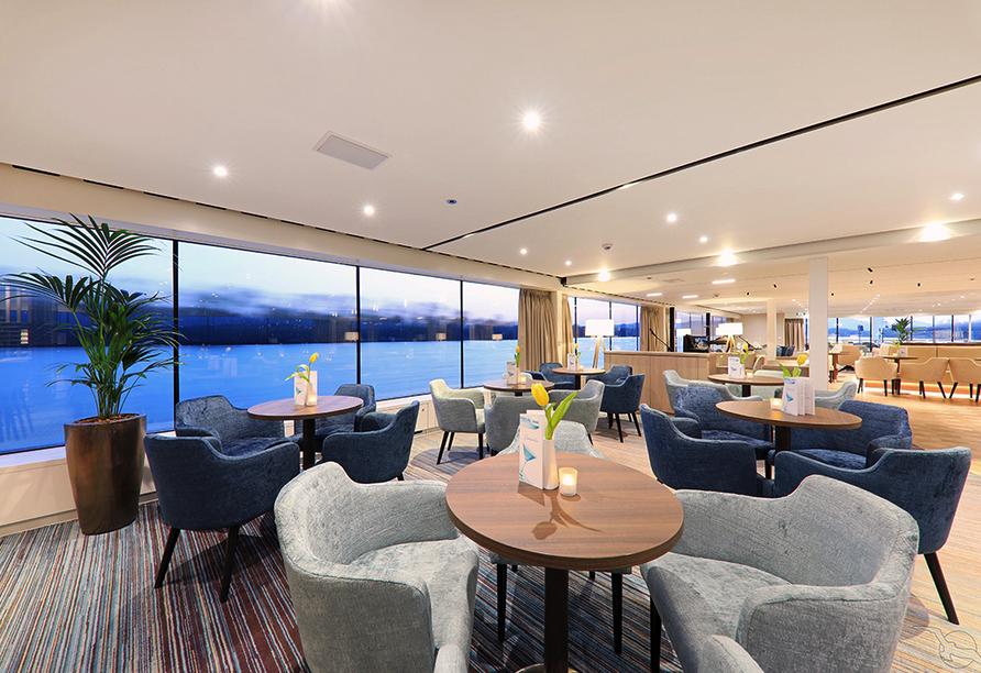 MS Adora, Panorama-Lounge