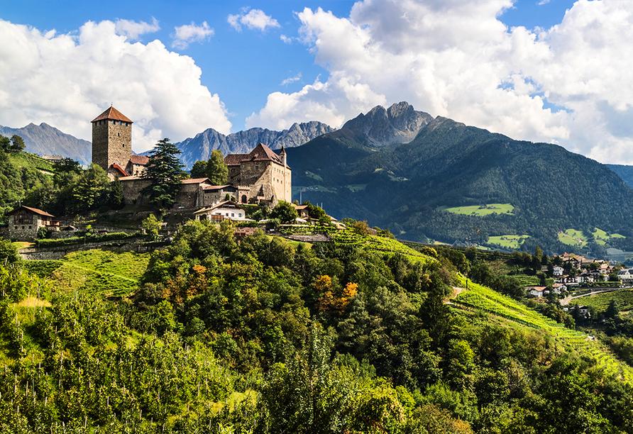 Etsch-Radweg, Schloss Tirol