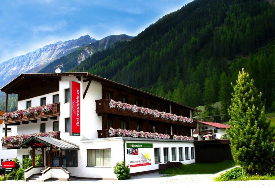 First Mountain Hotel Ötztal Längenfeld Tirol Österreich, Außenansicht