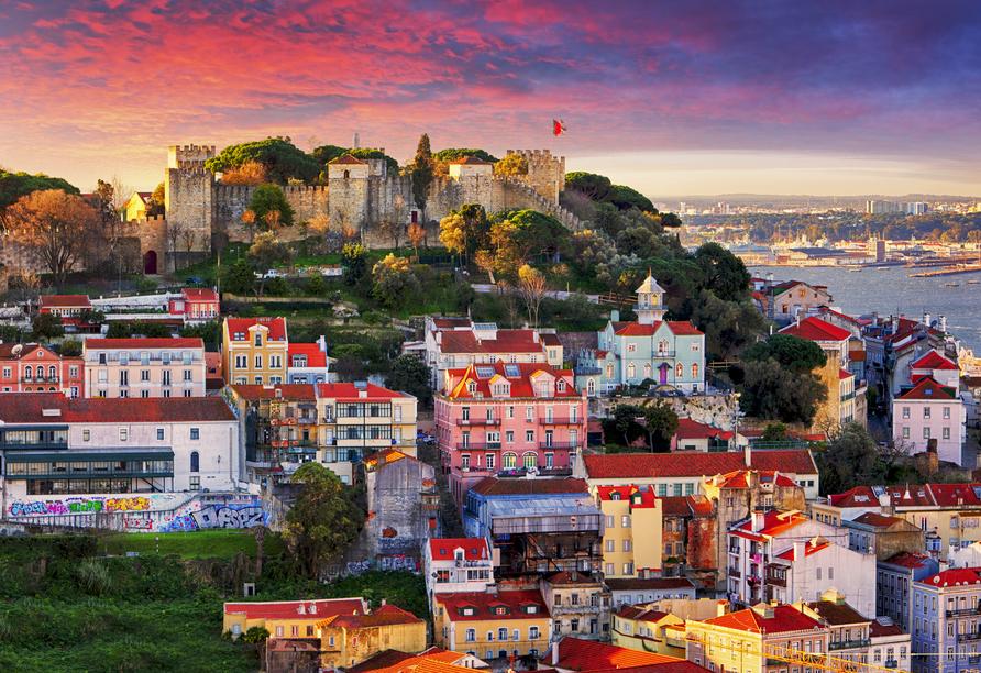 Die lebendige portugiesische Hauptstadt Lissabon lernen Sie bei einer Stadtbesichtigung kennen.