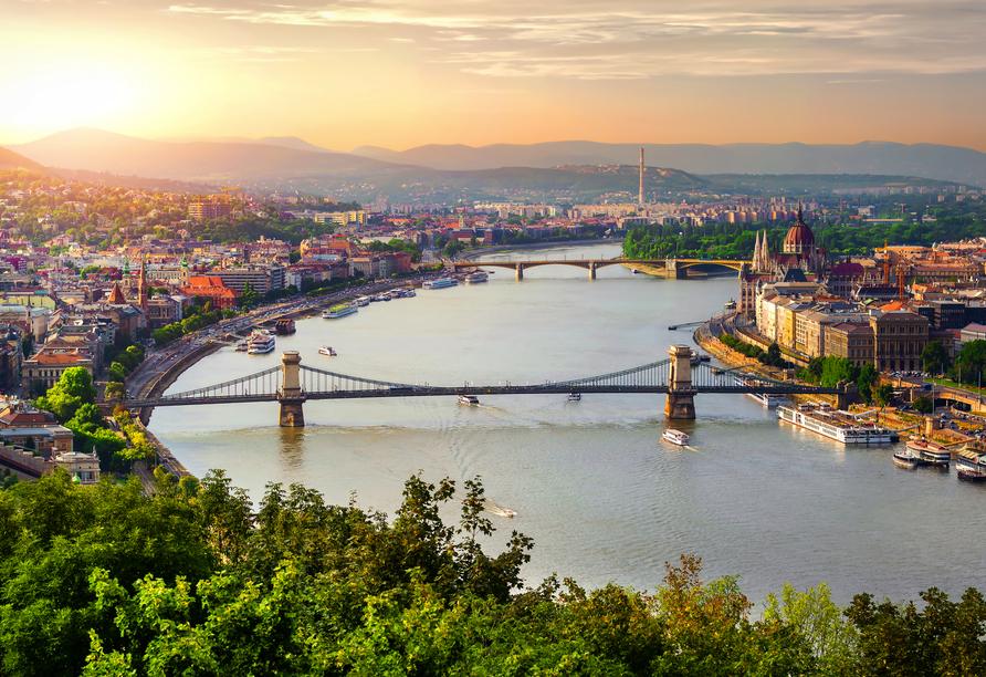 DCS Amethyst, Budapest