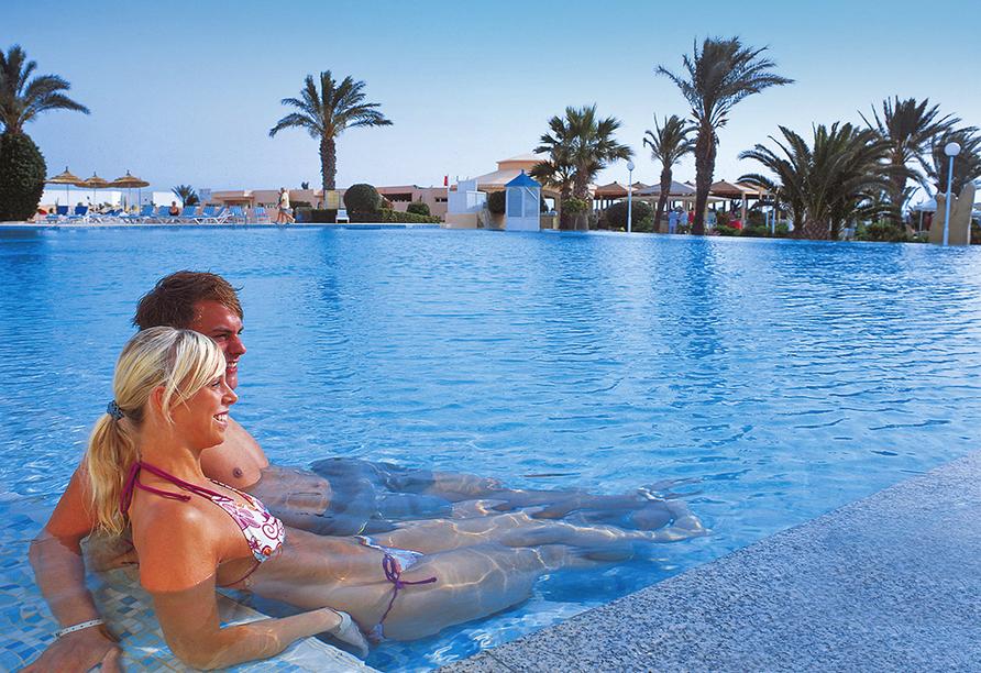 Hotel LTI Bellevue Park Sousse, Paar im Außenpool