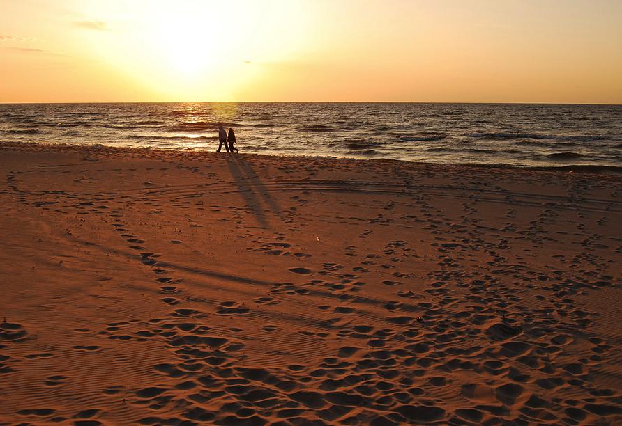 Welle Resort in Gribow in Polen, Sonnenuntergang am Strand