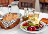 Hotel Oceanis Park in Ixia, Rhodos, Griechenland, Griechisches Gericht