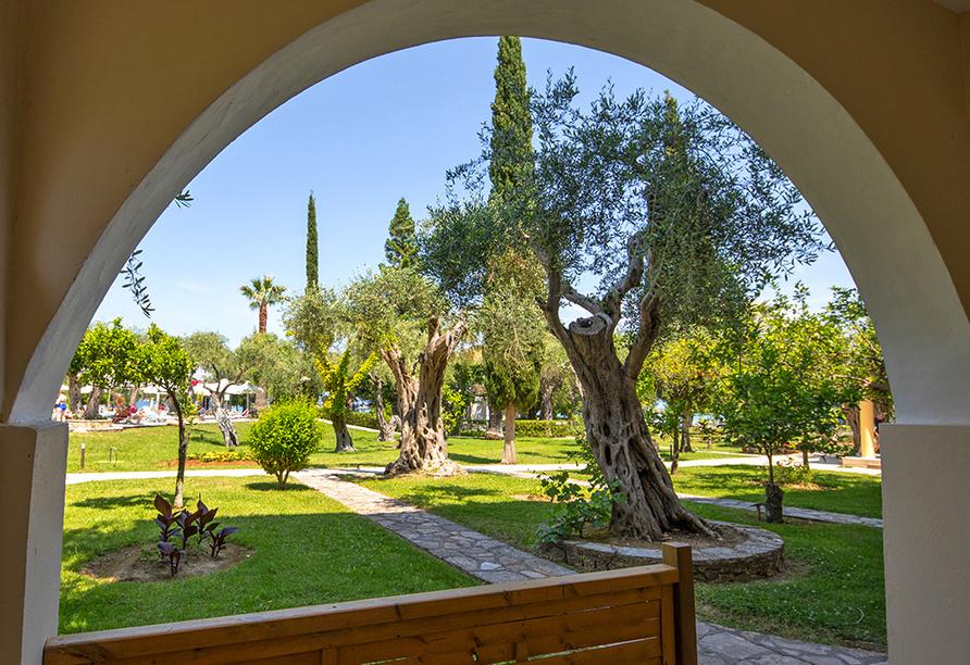 Hotel Delfinia in Moraitika, Korfu, Griechenland, Garten