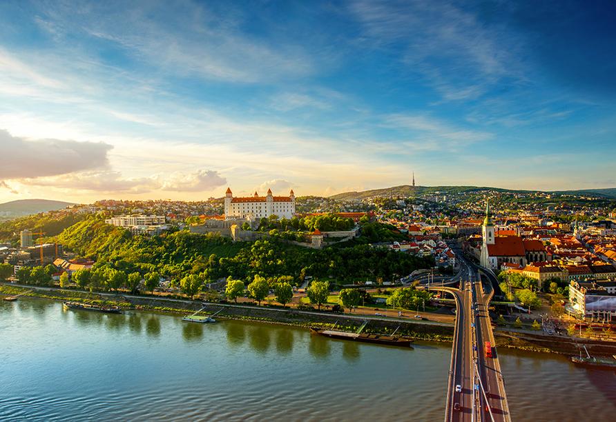 MS Primadonna, Bratislava
