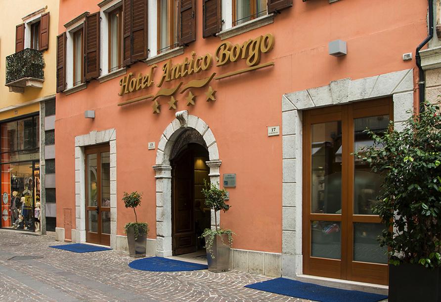 Hotel Antico Borgo in Riva del Garda, Außenansicht