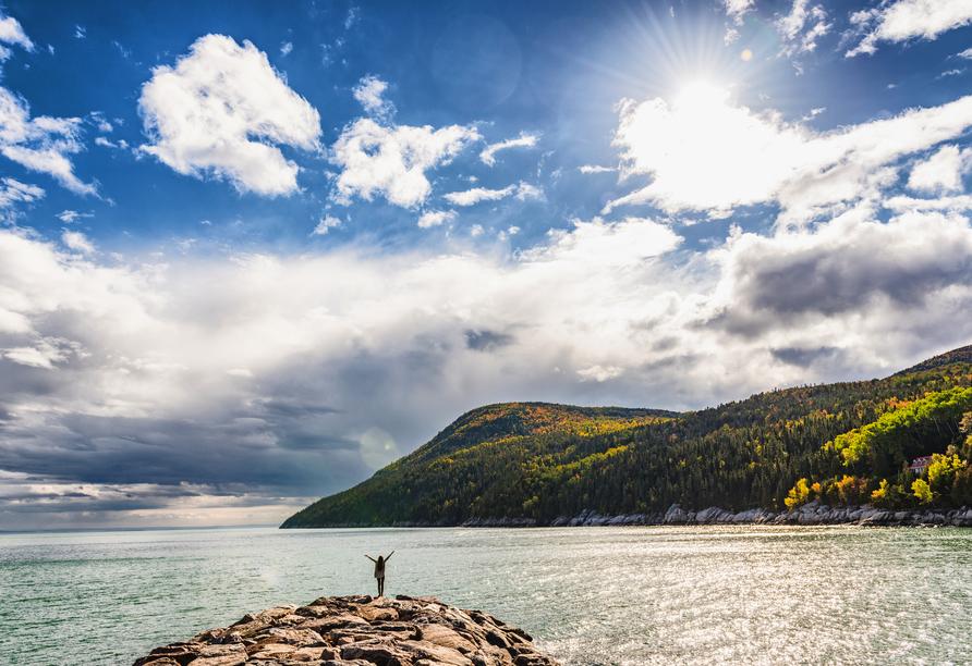 Kanadas Highlights von Ost nach West, Sankt-Lorenz-Strom nahe Québec