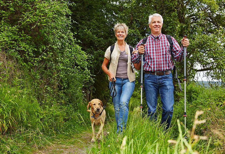 Wanderreise Starnberger See und Garmisch, Paar mit Hund