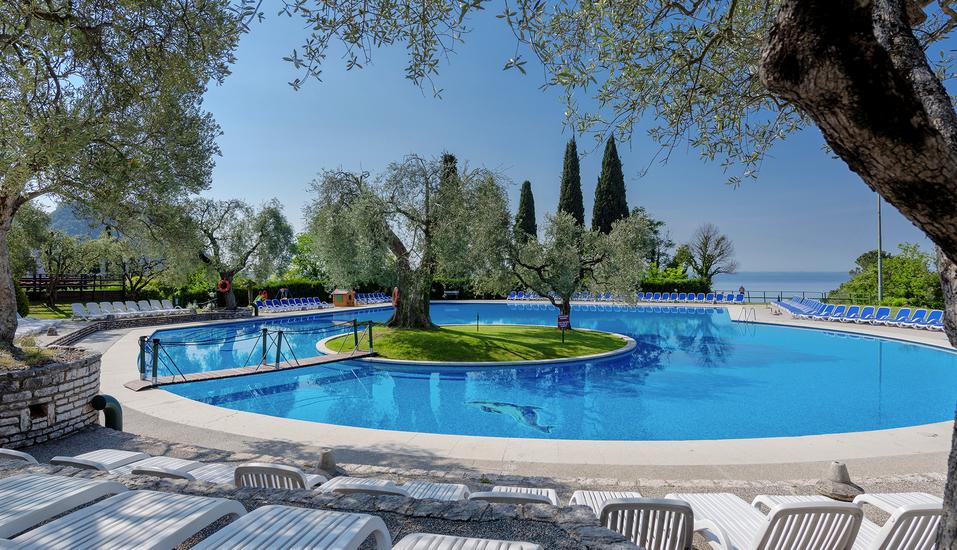 Residence Parco del Garda in Garda Italien, Außenpool