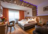 Hotel Gradlwirt in Niederndorf, Tirol, Österreich, Zimmerbeispiel