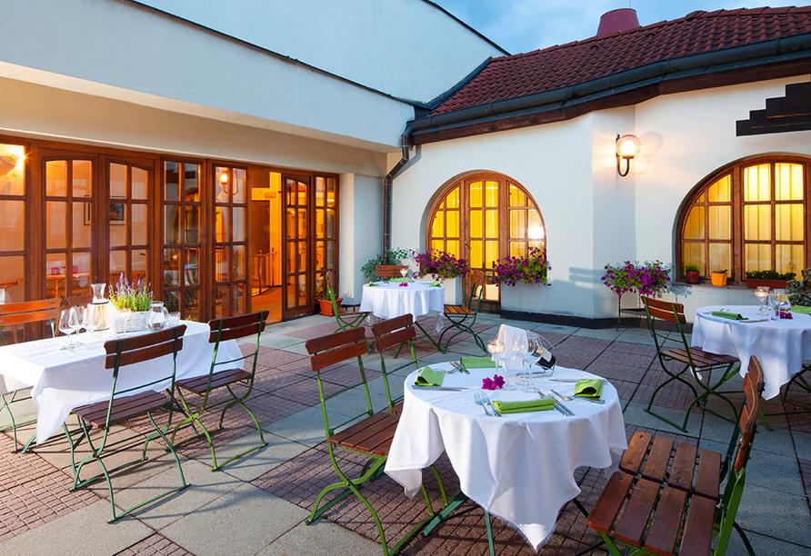 Hotel Concertino – Zlatá Husa, Südböhmen, Tschechien, Terrasse
