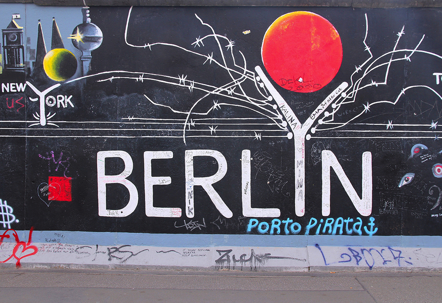 Mercure Hotel Berlin Alexanderplatz, East Side Gallery