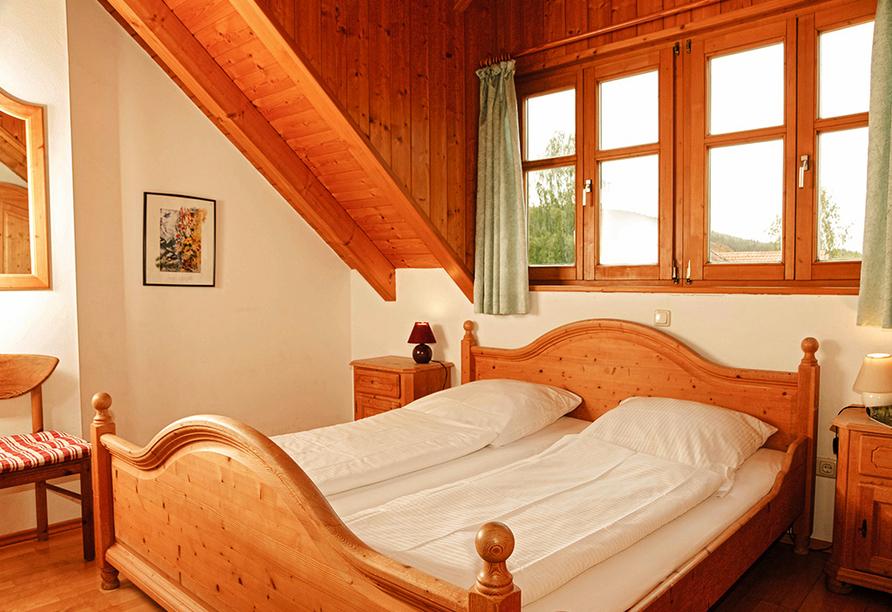 Panoramahotel Schwarzeck in Lohberg, Beispiel Schlafzimmer Appartement