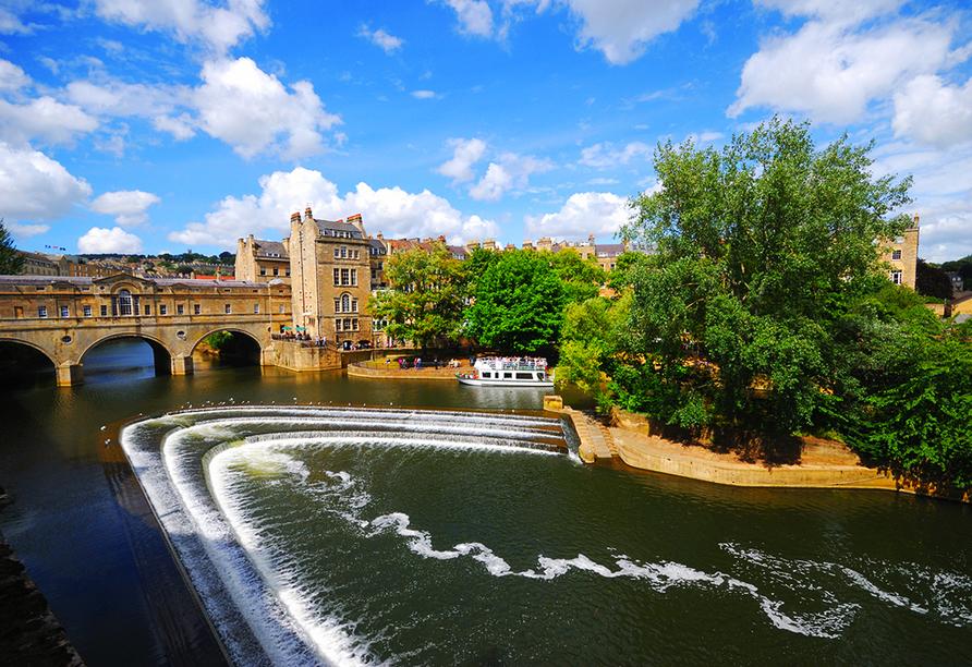 Auf Ihrer Reise statten Sie auch der mystisch anmutenden Stadt Bath einen Besuch ab – lassen Sie den Flair der Stadt auf sich wirken.