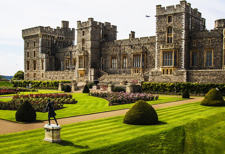 Freuen Sie sich auf die Besichtigung des ältesten noch bewohnten Schlosses der Welt, des Windsor Castles.