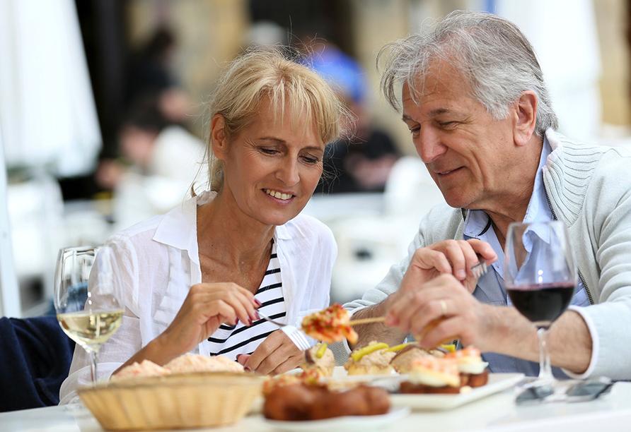 Hotel Gut Gremmelin, Paar beim Essen