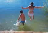 Van der Valk Resort Linstow, Kinder springen in See