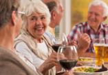 Heide Hotel Reinstorf, Ältere Leute beim Essen