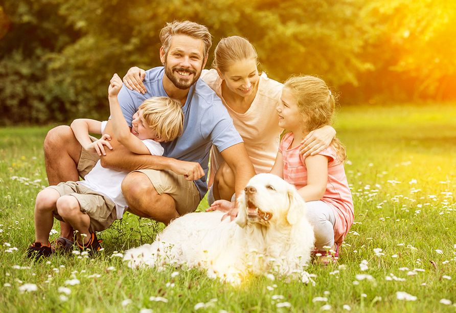 Hotel Alexandra in Plauen, Familie mit Hund und zwei Kindern