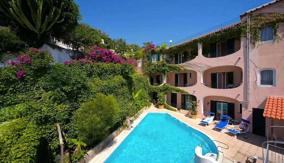 Herzlich willkommen im Hotel Bellevue auf Ischia.
