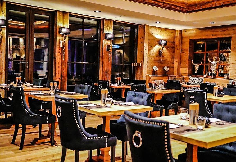 Lassen Sie sich im Restaurant des Hotels mit schmackhaften Speisen verwöhnen.