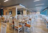 Im Restaurant des Hotel Iberostar Bijela Delfin werden Sie mit schmackhaften Speisen verwöhnt.