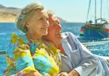 Bei Ihrer inkludierten Bootsfahrt können Sie sich entspannt zurücklehnen und die Fahrt genießen!