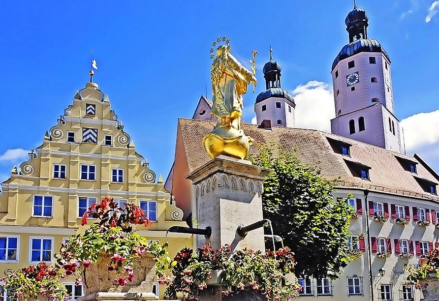 Spazieren Sie durch die schöne Altstadt Wemdings.