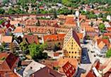 In der mittelalterlichen Stadt Nördlingen erfahren Sie mehr über die Entstehung des Ries.