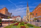 Innenstadt von Novi Sad mit Marktplatz.