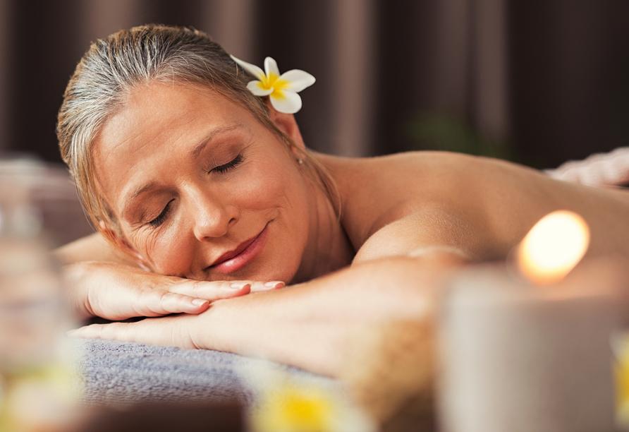 Genießen Sie Ihre inkludierte Aromatherapie-Massage!