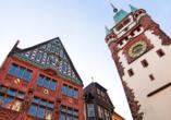 Auch das Schwabentor in Freiburg im Breisgau ist sehenswert.
