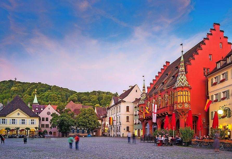 Die südlichste Großstadt Deutschlands, Freiburg im Breisgau, verdankt ihren Charme der historischen Altstadt.