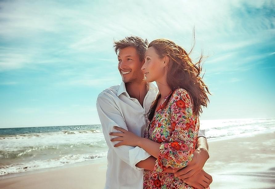 DCS Amethyst, Paar am Strand