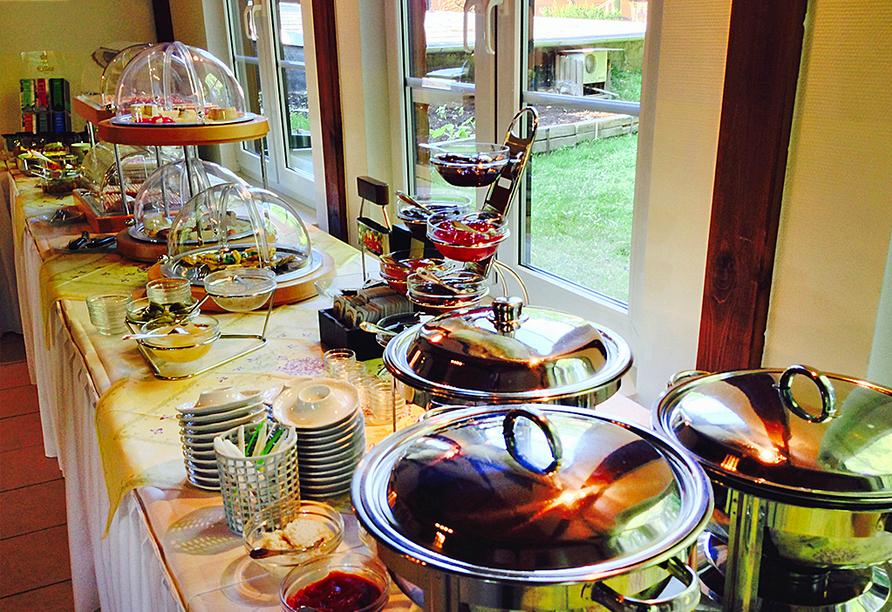 Reichhaltiges Frühstücksbuffet im Hotel Zur Spreewälderin.