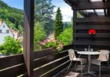 Das Hotel liegt direkt am Kurpark von Wolfach.