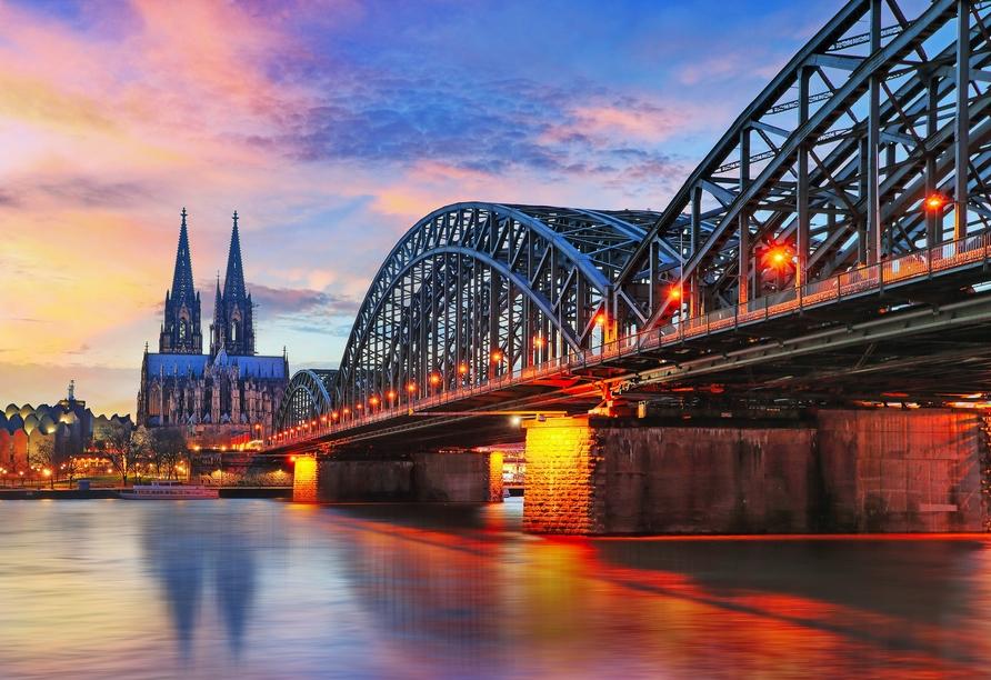 Besuchen Sie die Domstadt Köln!