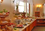 Reichhaltiges Frühstücksbuffet im Hotel Schloss Herrenstein.