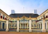 Der Königliche Palast Noordeinde ist der offizielle Amtssitz der niederländischen Monarchie.