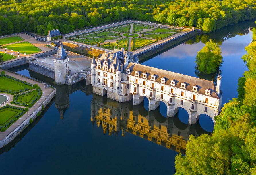 Das Wasserschloss Chateau de Chenonceau mit seiner berühmten Galerie